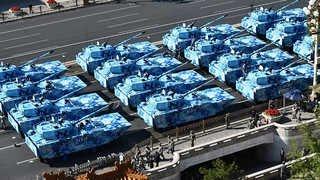 중국 열병식…27개 장비부대 500가지 무기장비 공개 [현장연결]