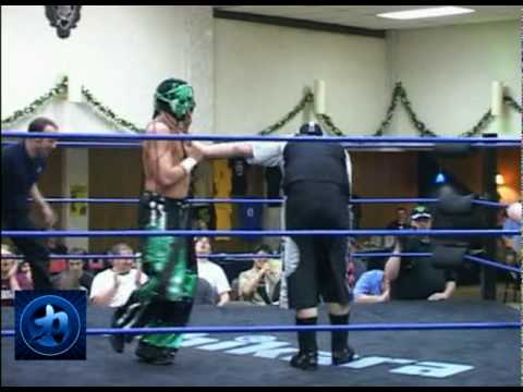 Chikara - Player Uno & Delirous pull off the FUNNIEST wrestling segment!!!