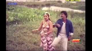 Meena Hot Song : Lip Lock in Young age