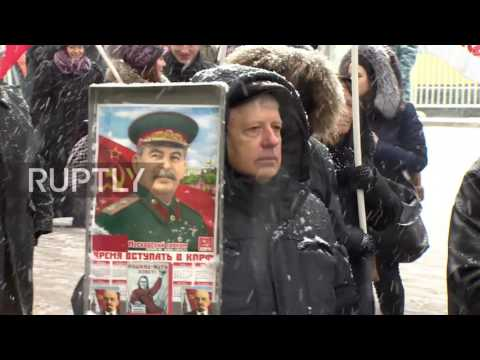 Russia: Communists march in honour of Defender of the Fatherland Day