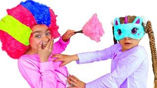 Gisele y Claudia se esconde por casa con su muñeca Las Ratitas for kids