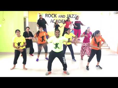 Entammede Jimikki Kammal | Zumba fitness routine | Mohan Lal