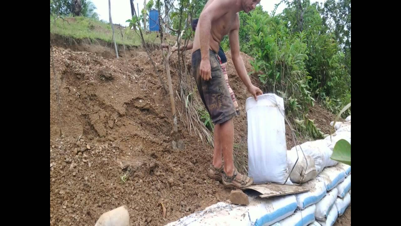 Earthbag Retaining Wall 12 Oct 2014 Youtube