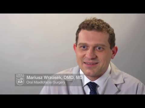Oral surgeon: Mariusz Wrzosek, DMD, MD