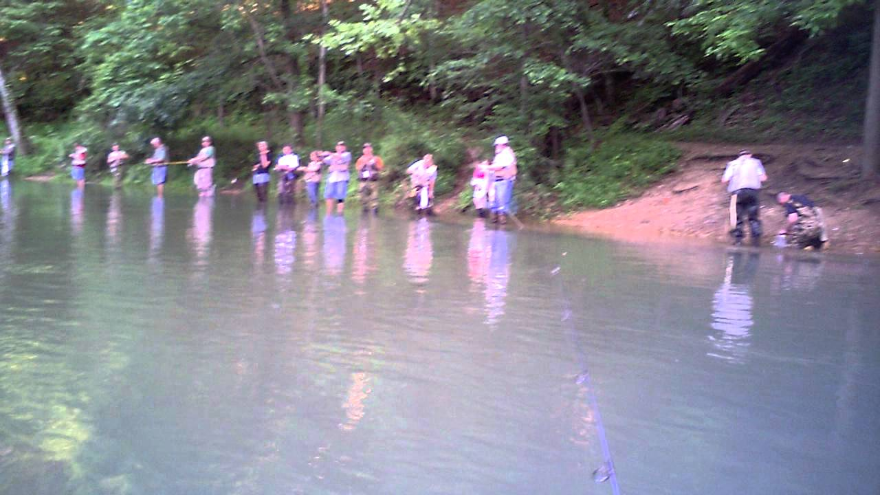 Fishing at meramec springs youtube for Missouri out of state fishing license