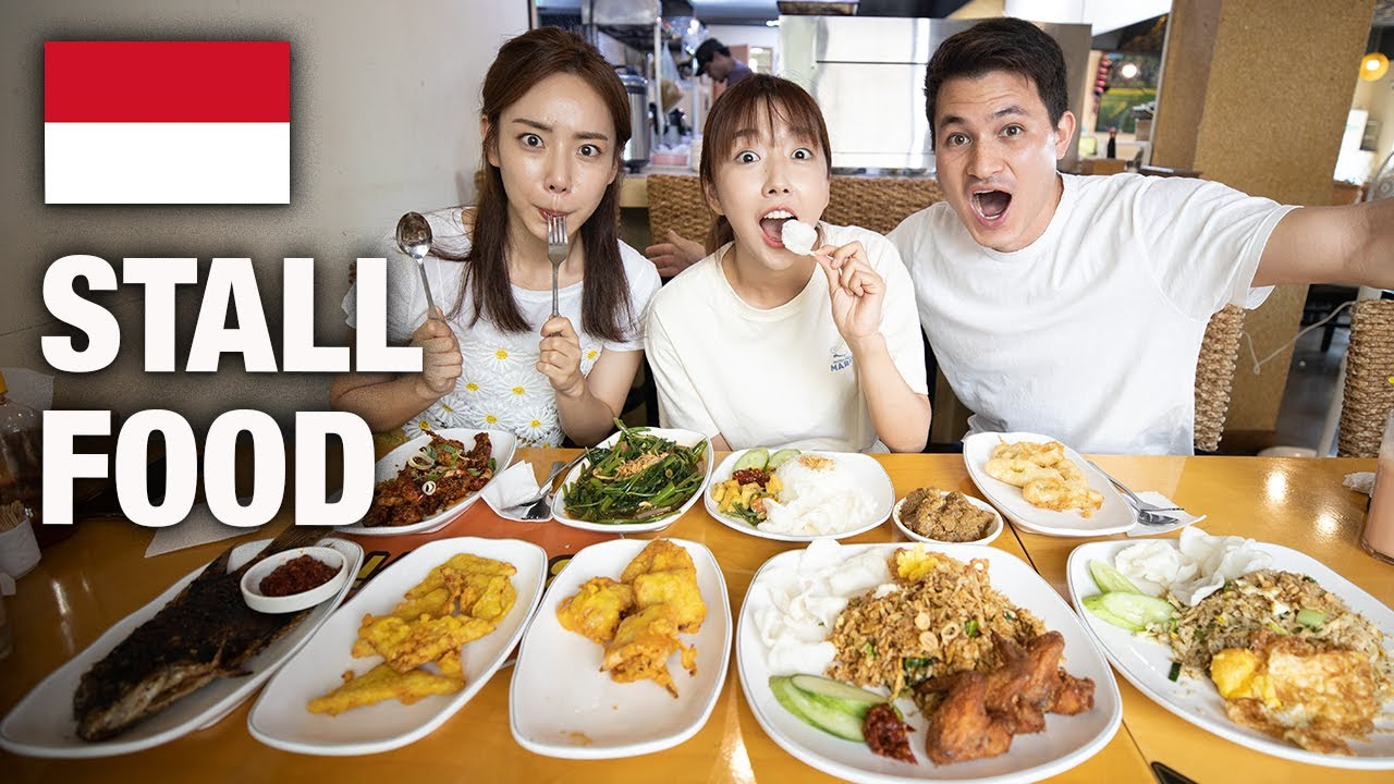 KOREAN ACTRESS TRIES INDONESIAN STALL FOOD FOR THE FIRST TIME IN KOREA!