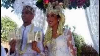 Kebahagiaan Fitri tropika dan irvan hanafi yang menikah 14 september 2014