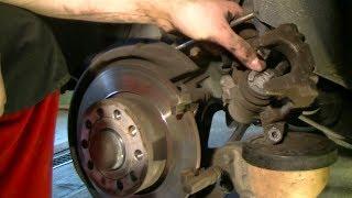 Replacing rear brake pads on a VW Golf Plus / Golf 5