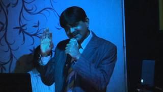 Prateek seth singing sonu nigam Aalam Gujarne ko from Kal kisne dekha at Grandeur Hotel, Dubai,