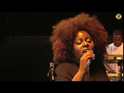 Angie Stone - Holding Back The Years (Simply Red cover) | 2 Meter Session #900