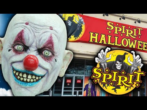 BIGGEST Spirit Halloween In Abandoned Toys R Us 2020 *SCARY*