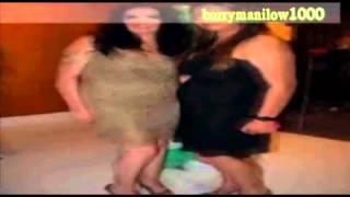 صور رقص غادة عبد الرازق فى حفل تخرج ابنتها 