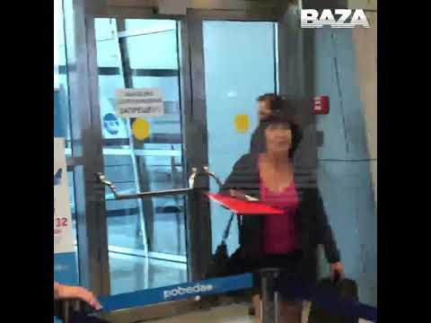 Внуково. Сотрудницы авиакомпании  не пустили на борт женщину, которая летела на похороны в Чебоксары