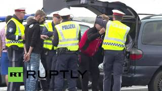 Austria: Police detain man allegedly transporting refugees by car