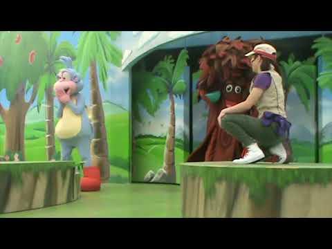 Dora the explorer live.