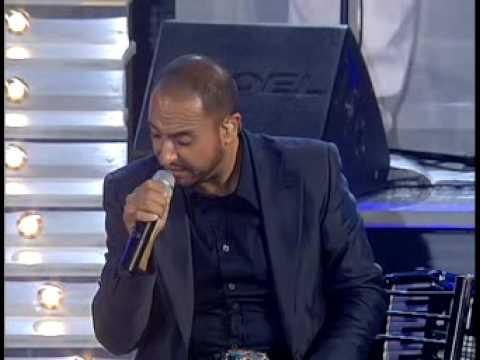 Gigi Finizio - Tu si na cosa grande (Live Arena Flegrea 2006)