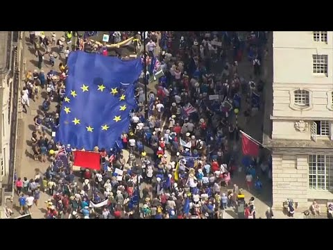 100 ألف بريطاني يخرجون في مسيرة ضد -البريكست-  - نشر قبل 6 ساعة