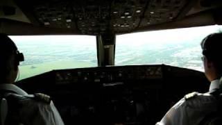Boeing 777-300ER Cockpit Landing in Paris - Air France