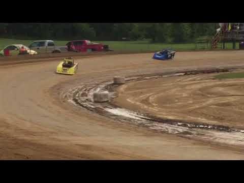 CJ Kinneer qualifying at I70-77 Speedway