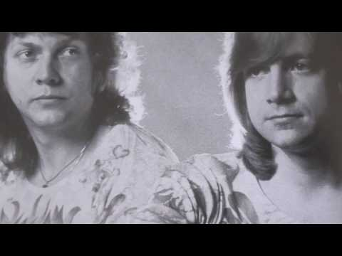 justin hayward with 10 c.c. (and john lodge?) (bluejays)