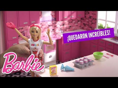 Barbie Cocina y Crea | Cupcakes Arcoíris | Barbie