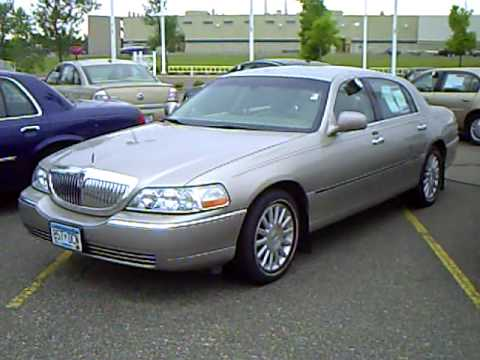 2003 Lincoln Town Car Executive Youtube