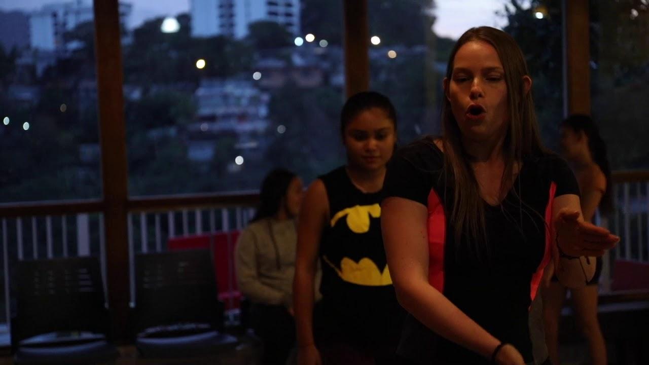 Voluntarias del mes de abril: profes de danza adolescente
