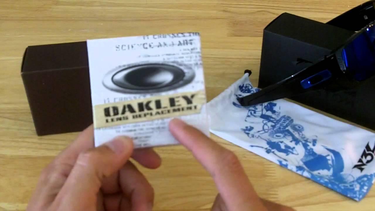 Oakley Store Vs Oakley Vault