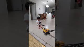 행복한 웃음소리 우리아들 크레인장난감 4살