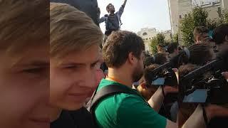 Смотреть видео Митинг со столба. Как прошел мой Митинг Навального в Москве 9 сентября 2018 без Навального онлайн