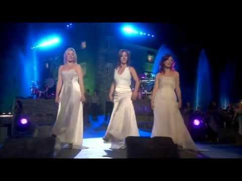 ♥ CELTIC WOMAN ♥ Orinoco Flow HD Live At  Slane Castle