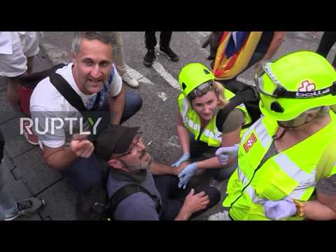 Spain: Clashes at Barcelona airport after Catalan leaders sentenced