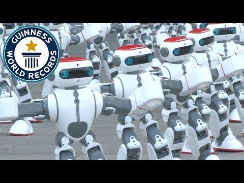 Massive robot dance - Guinness World Records - Cмотреть видео онлайн с youtube, скачать бесплатно с ютуба