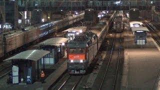 Электровоз ЧС8 038 с поездом №197 Кисловодск — Иркутск
