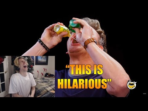 xQc Reacts To Gordon Ramsay Savagely Critiques Spicy Wings | Hot Ones