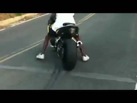 yhats burnout on the GSXR 1000 (BANG!)