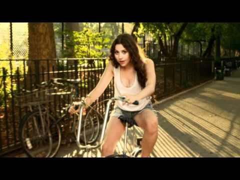 Eliza Doolittle - Rollerblades  [Official Music Video]