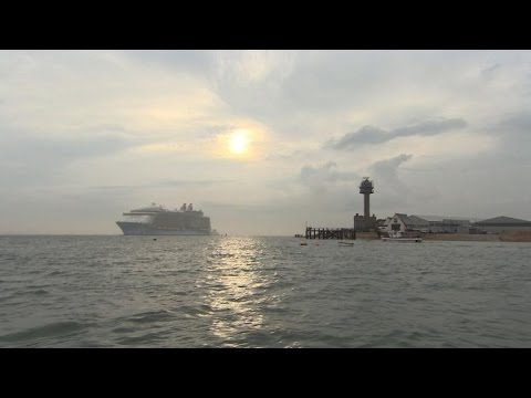 World's largest cruise ship docks in Southampton
