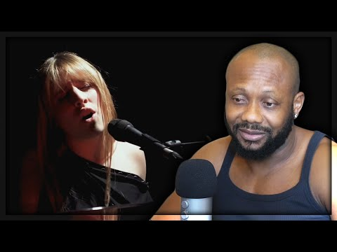 ANGELINA - MANI VUOTE (LIVE SESSION) REACTION!!! from YouTube · Duration:  5 minutes 18 seconds