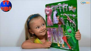 ✔ Baby Doll. Girl Yaroslava is dressing her doll. Девочка Ярослава одевает Куклу. Серия 44 ✔