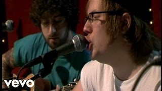 Fall Out Boy - This Ain't A Scene, It's An Arms Race (VH1 Unplugged)