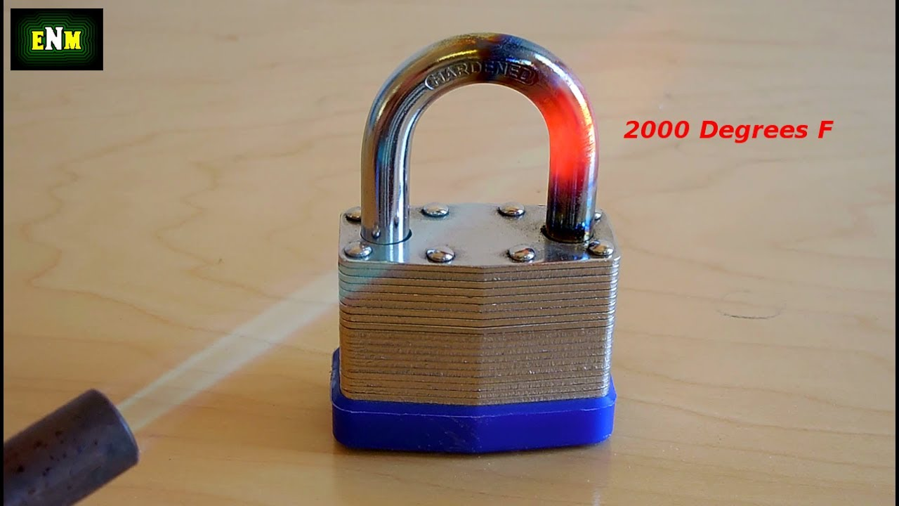 How To Cut A Padlock Shackle With A Hacksaw Youtube