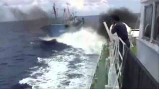 Japan Coast Guard was attacked by chinese boat.wmv