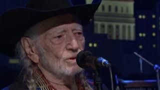 Willie Nelson Breaks Down In Tears On Stage