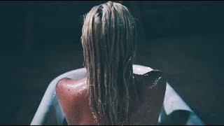 """Glow"" - Alisabeth Von Presley"