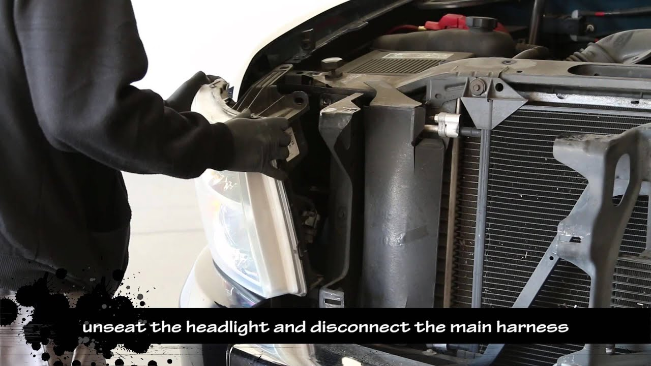 07 13 chevy silverado 1500 2500 and 3500 led halo projector headlight installation video [ 1280 x 720 Pixel ]