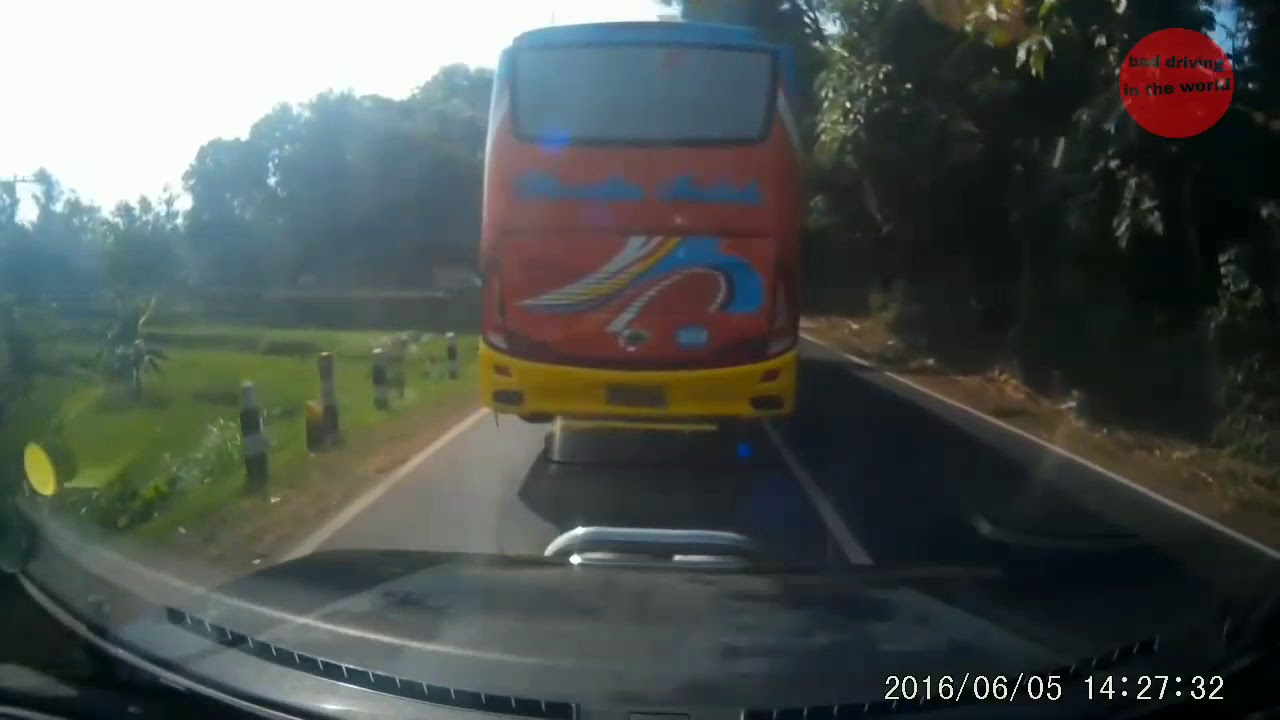 Bad driving in the world #1