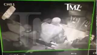 Jay Z Physically Attacked By Beyonce's Sister, Solange Knowles