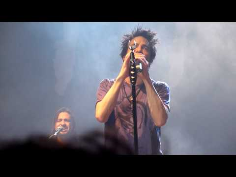 Train - When I Look To The Sky (live @ Enmore) 2010 HD acapella
