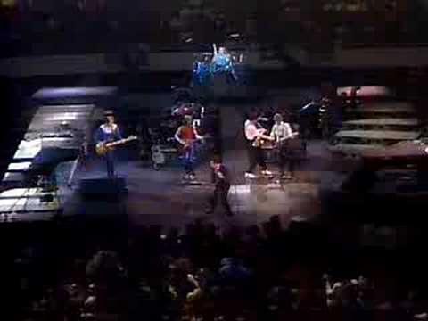 Billy Joel Its Still Rock And Roll To Me Live 1982